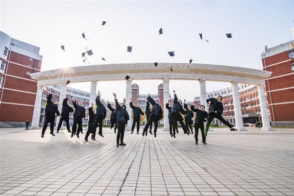 上海民航职业技术学院有成人高考吗?